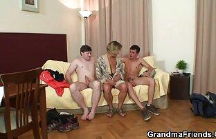 Junge ficken mit einem Kerl schlucken ein verdienen alte reife nackte frauen ein get auf die Knie