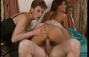 Sie weiß, wie man Ihren Mann von reife weiber nackt der Arbeit